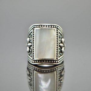 925 Sterling Silver Mother of Pearl Fluer De Lis Ring Eliz