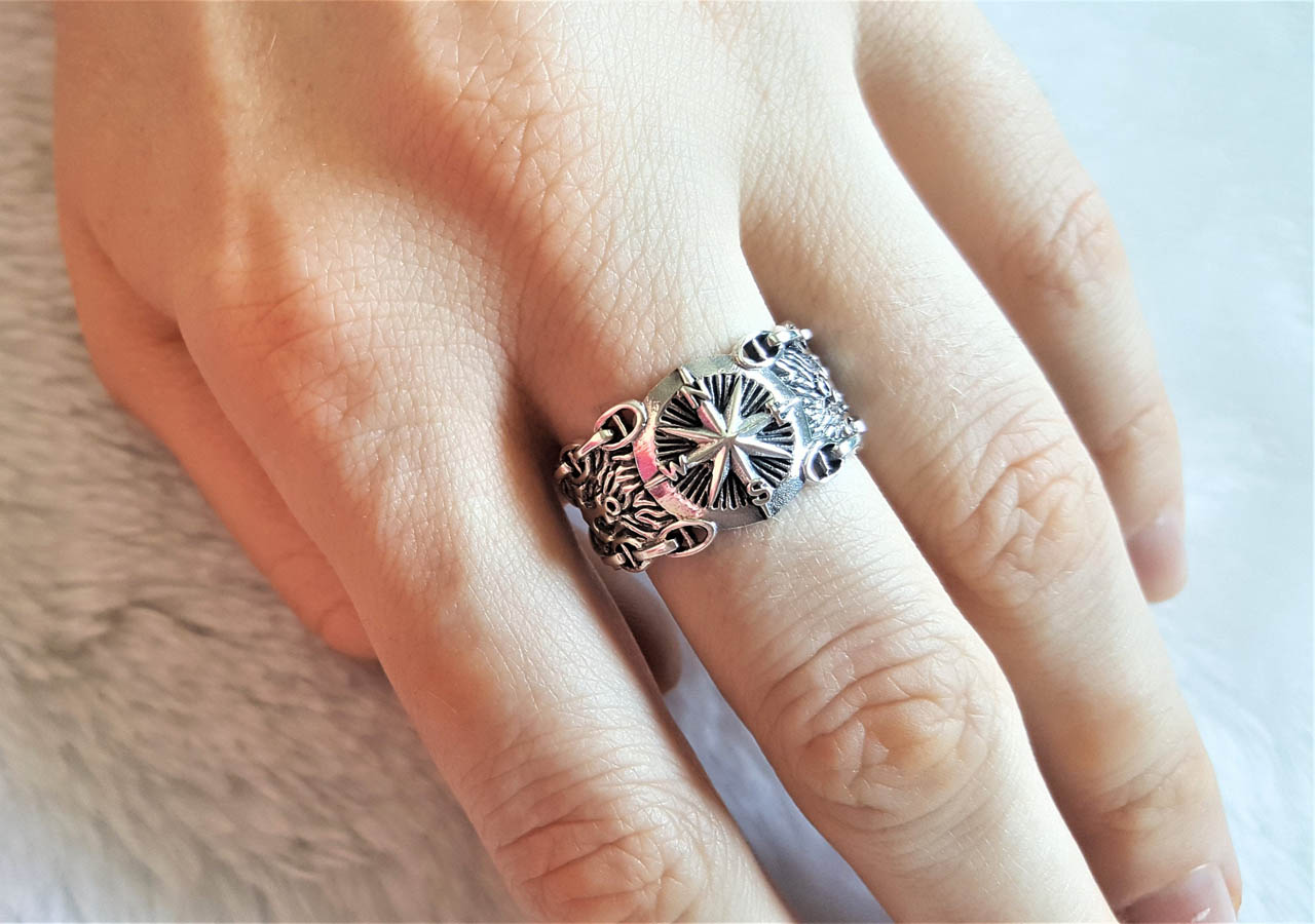 Details about  /Purple CZ Skull Ring Nautical Star Compass Wedding Band Steering Wheel Ring Band