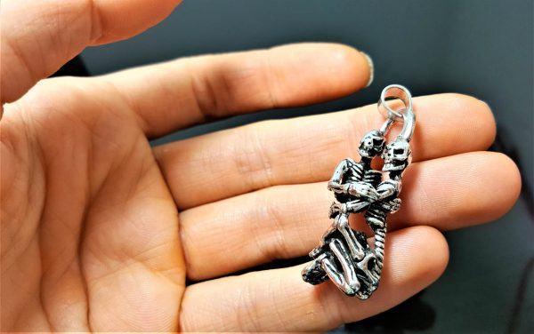 925 Sterling Silver Hugging Skeletons Pendant Hug Love Skull Punk Goth Rock Biker Exclusive Design Valentine Gift