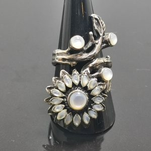 925 Sterling Silver Mother of Pearl Sunflower Ring