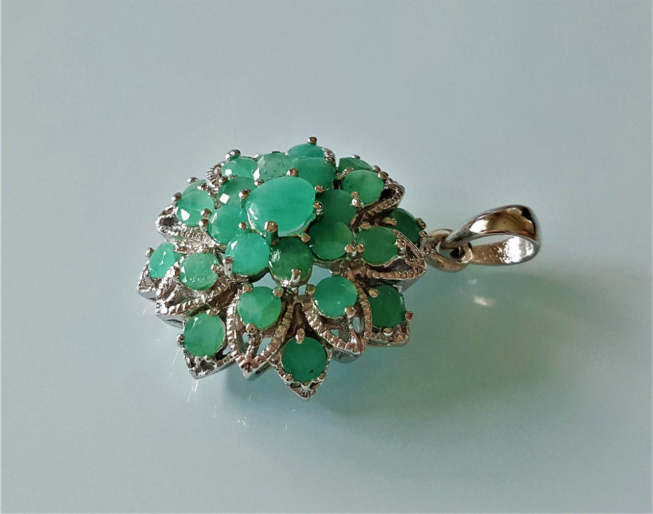 Syntactic Emerald Gemstone Traditional 925 Sterling Silver Flower Designer Pendant Handmade Jewelry
