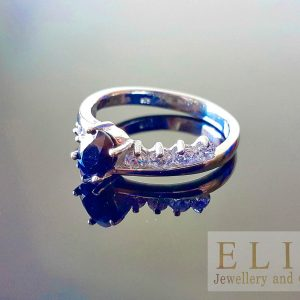 Sapphire Ring STERLING SILVER 925 Genuine Untreated Sapphire & Cubic Zirconia (diamond faceted) Classic Design