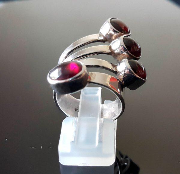 Sterling Silver 925 Ring Genuine GARNET Cabochon NEW design Size 7